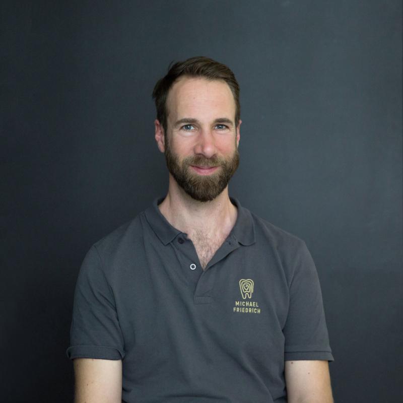 Unser Mann für die Einhaltung der Praxisleitlinien - Michael Friedrich.