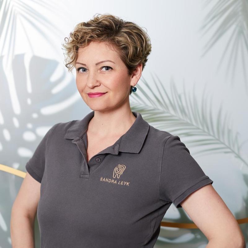 Sandra Leyk, Zahnmedizinische Fachangestellte und Prophylaxeassistentin