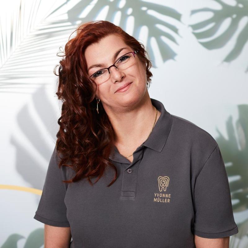 Yvonne Müller Zahnmedizinische Fachangestellte im Bereich Zahnreinigung Prophylaxe
